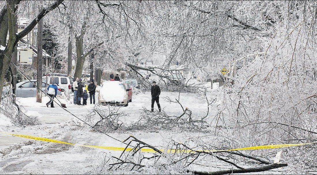 بیسابقهترین طوفان یخ همچنان تورنتوییها را آزار میدهد