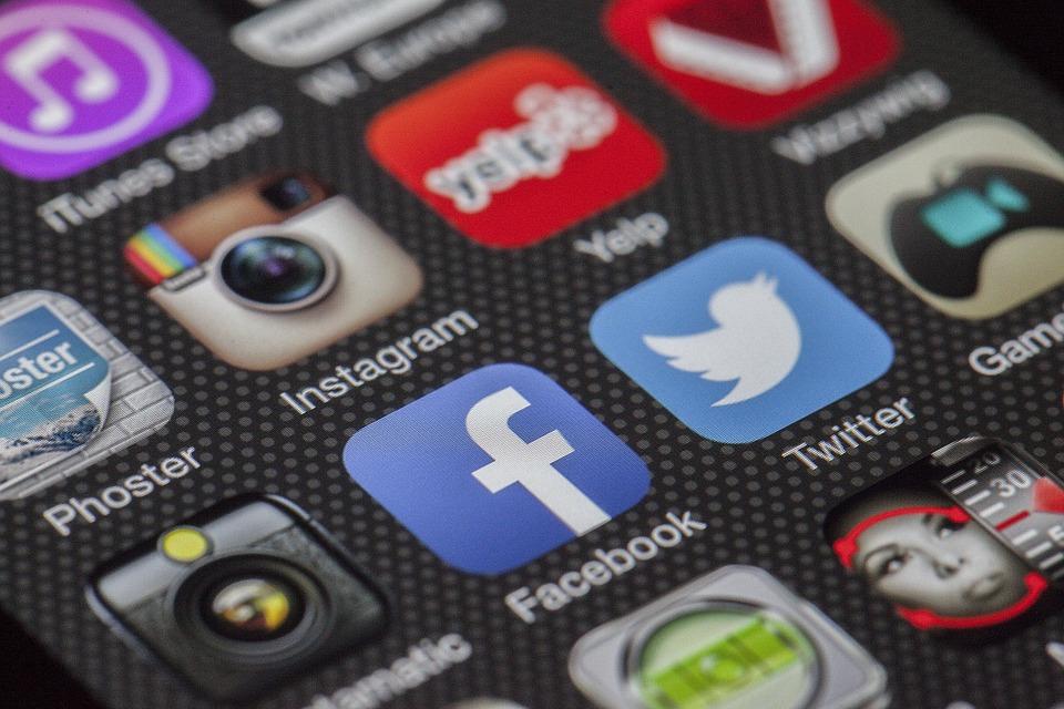 آشنایی با صفحات کنپارس در شبکه های اجتماعی