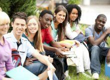 نقش دانشجویان در اقتصاد کانادا