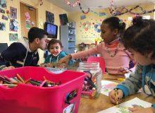 چگونه کودکان با زبان های متفاوت با یکدیگر ارتباط برقرار می کنند؟