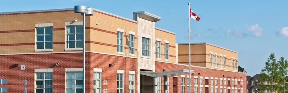 تغییر محل یا برنامه تحصیلی برای دانشجویان داخل کانادا